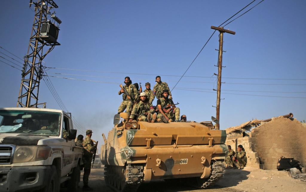 Mỹ phản bội người Kurd, thành quả 5 năm chống IS sụp đổ trong một tuần