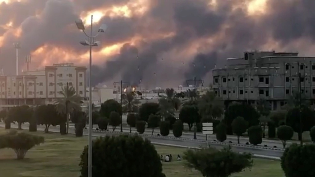 Vụ tấn công vào Saudi gây tổn thất tới 5,7 triệu thùng dầu/ngày