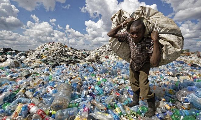 Nước giàu không thể 'vô tư' đưa rác thải nhựa đến nước nghèo nữa
