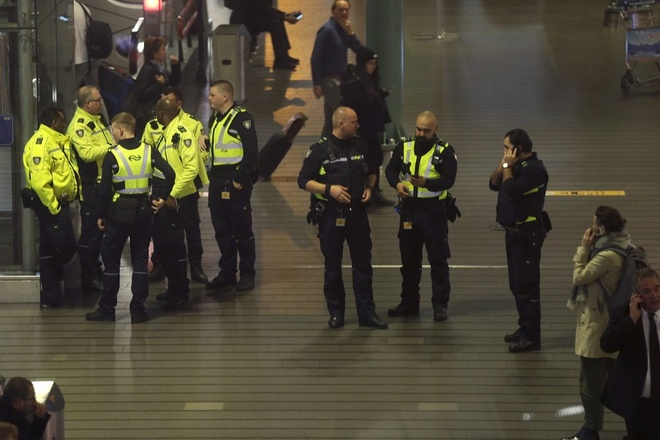 Sân bay Hà Lan náo loạn vì báo động không tặc nhầm
