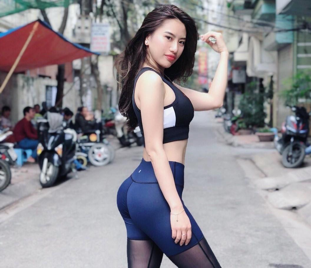 Hot girl 'sieu vong 3': Nguoi co body khoe khoan, ke xinh nhu gai Tay hinh anh 1