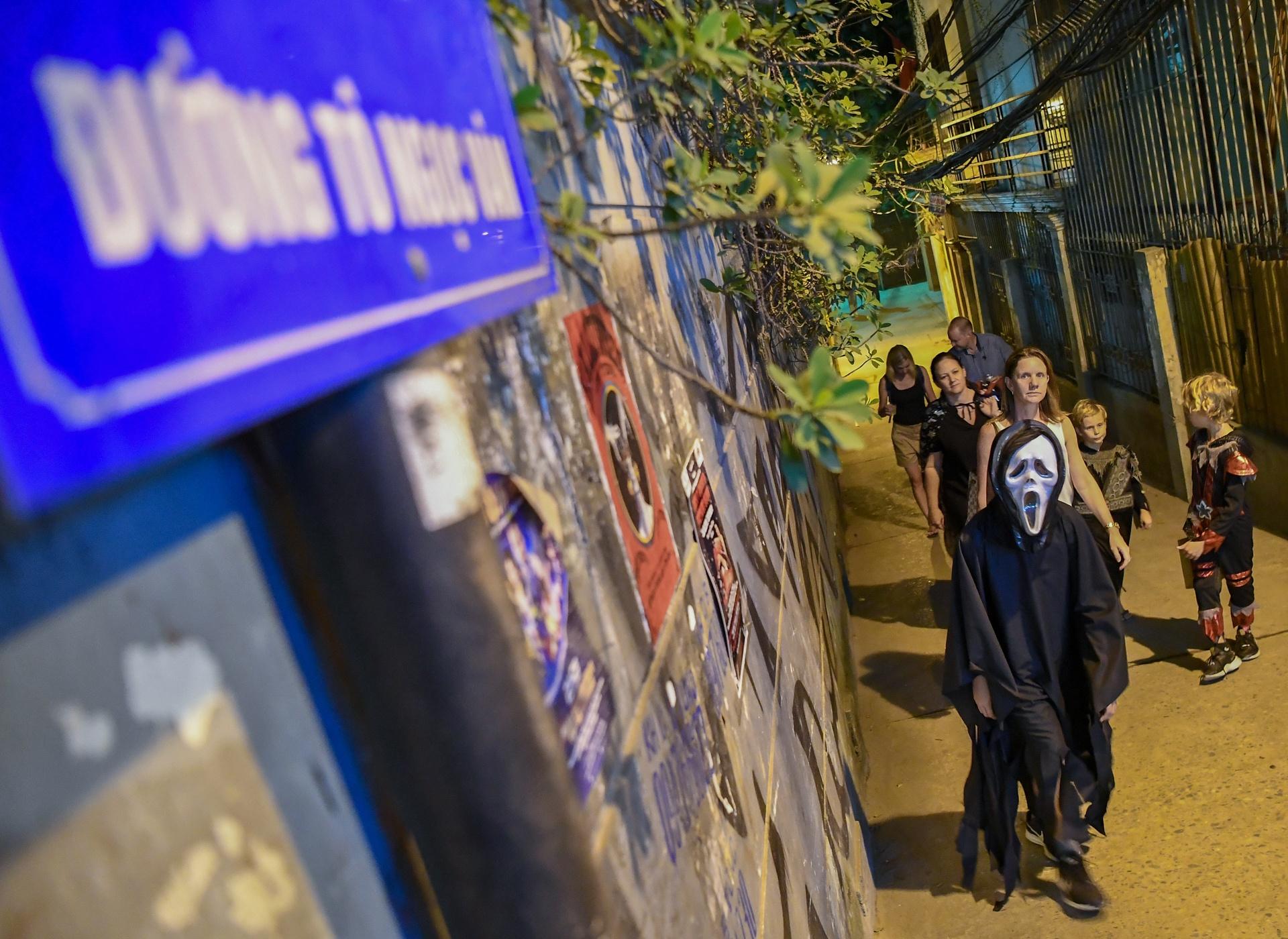 Khong khi Halloween som o Ha Noi hinh anh 5