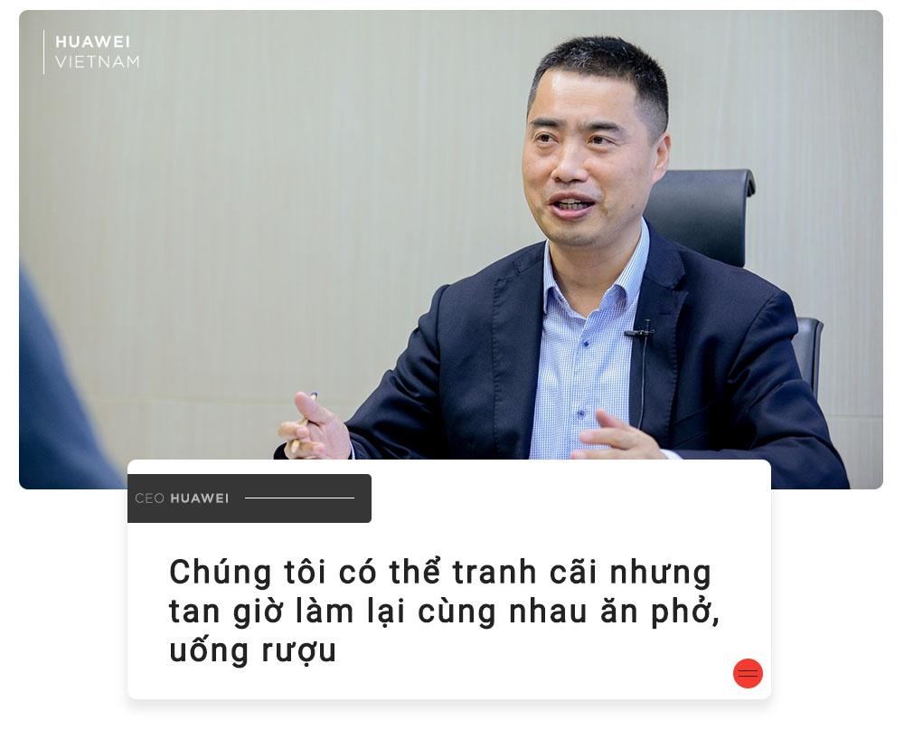 CEO Huawei VN: 'Chung toi khong bi an nhu moi nguoi nghi' hinh anh 9