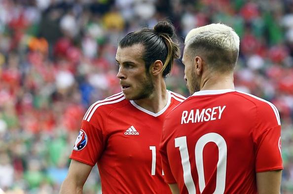 Tran xu Wales vs Bac Ireland anh 16