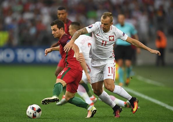 Tran Ba Lan vs Bo Dao Nha anh 17