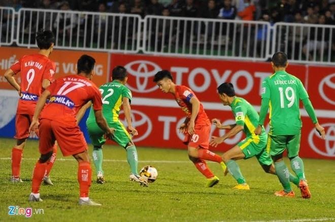 Tran CLB Binh Duong vs CLB HAGL anh 3