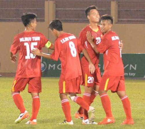 Tran U19 Viet Nam vs U19 Dai Loan anh 12