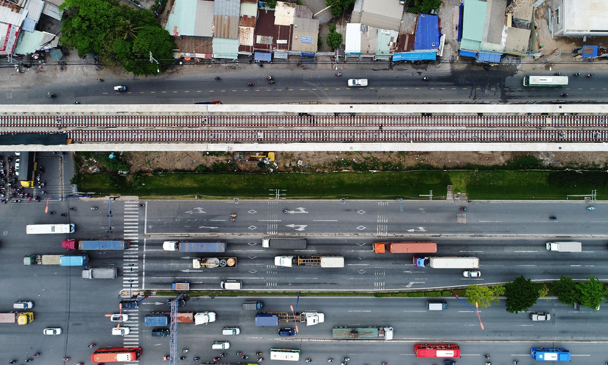 Hien trang tuyen metro dau tien bi no tien cua TP.HCM hinh anh 7