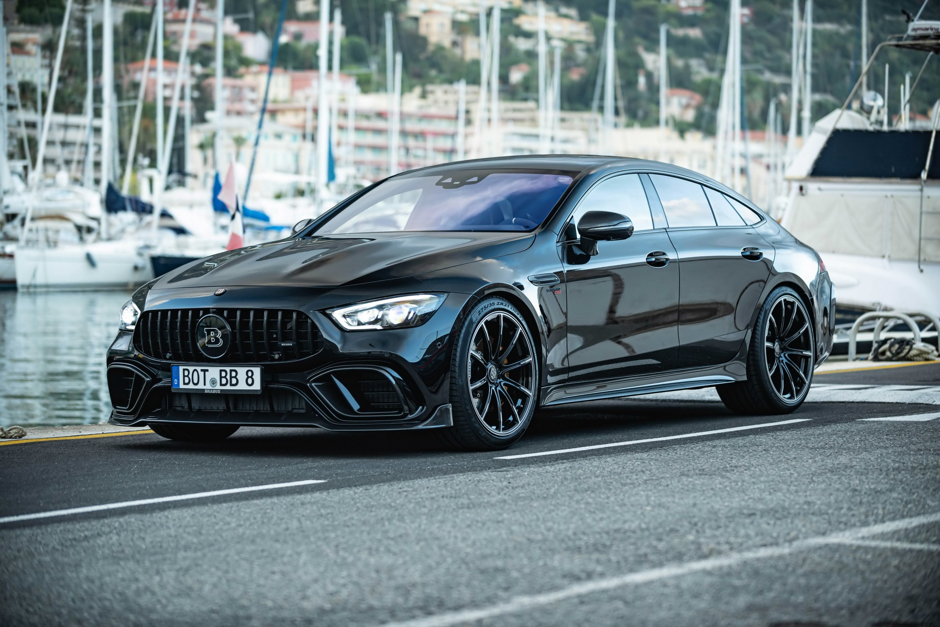 Mercedes-AMG GT 63 anh 1