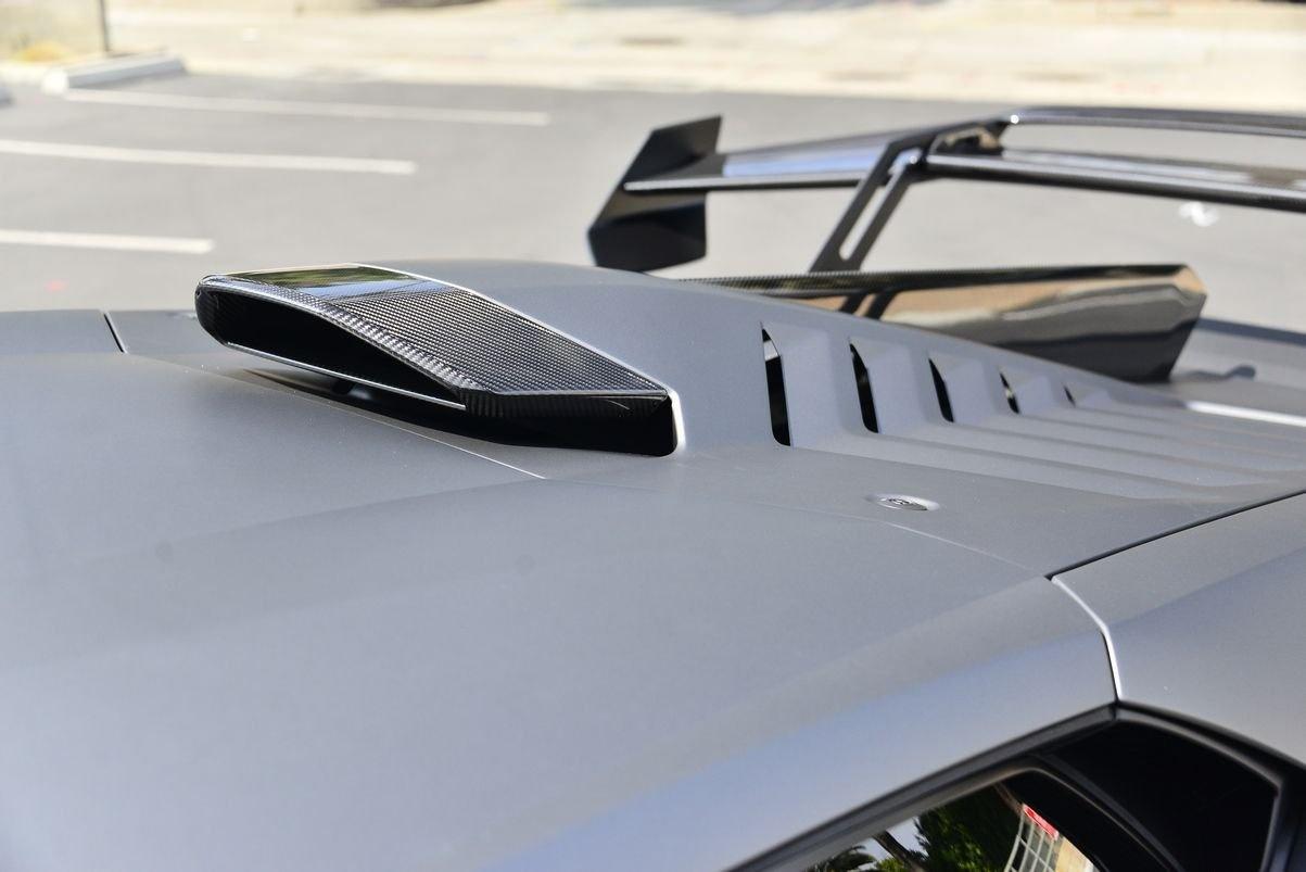 Lamborghini Huracan STO anh 5