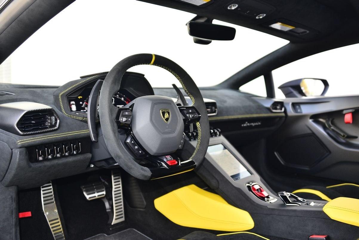 Lamborghini Huracan STO anh 7