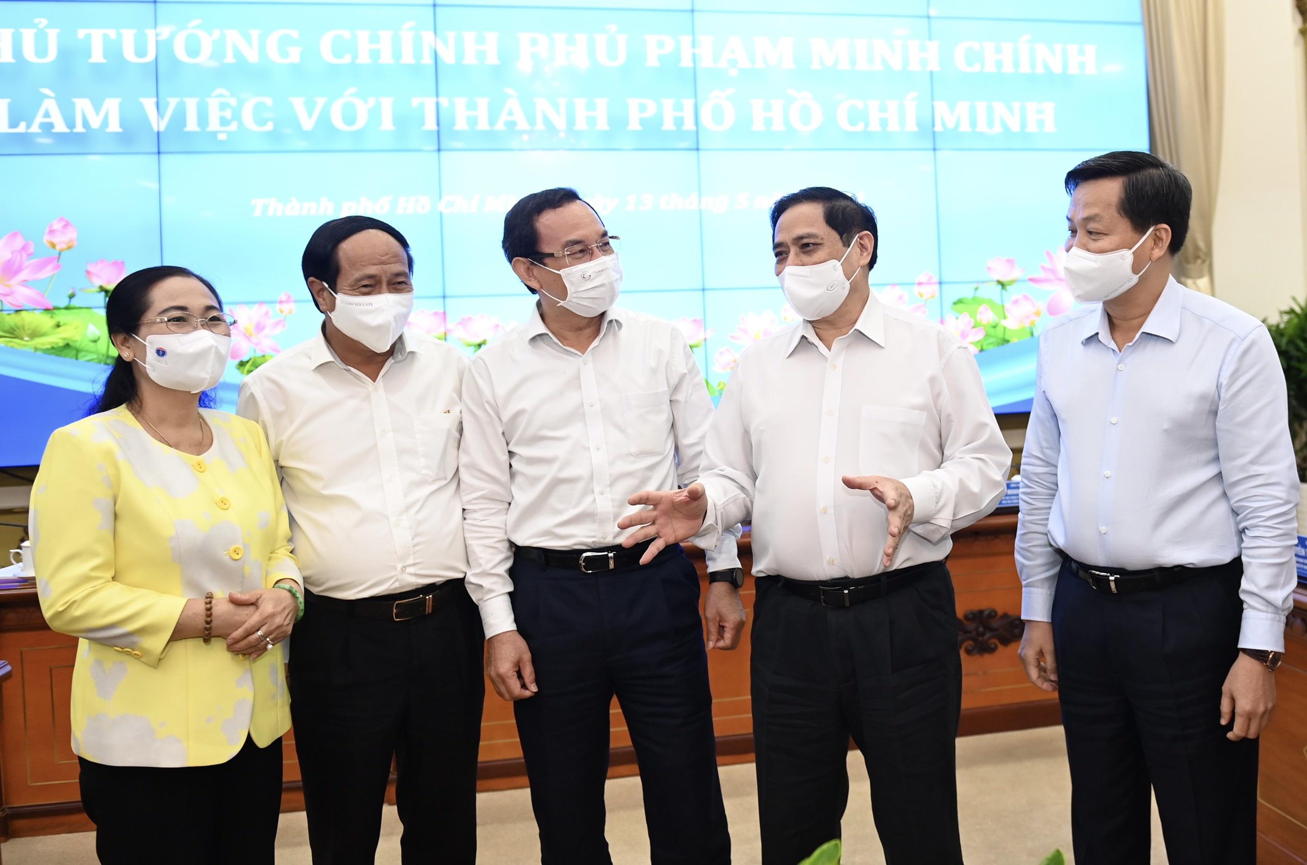 Thu tuong Pham Minh Chinh lam viec voi TP.HCM anh 2