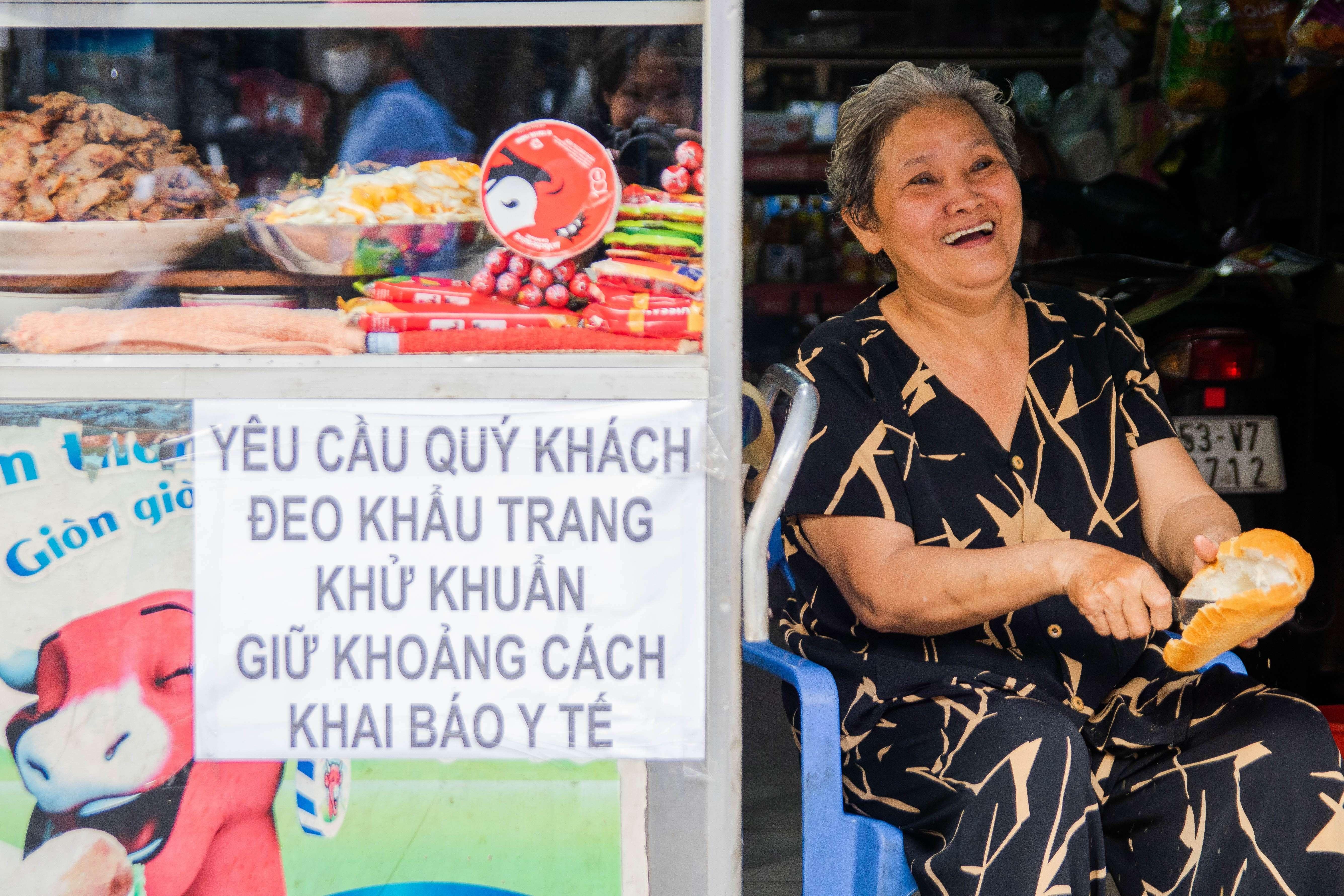 Banh mi Ba Tau 45 nam noi tieng tai TP.HCM anh 1