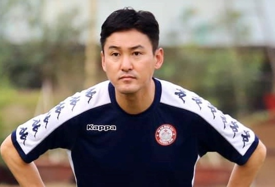 Cựu danh thủ Hàn Quốc lấy bằng HLV ở Việt Nam