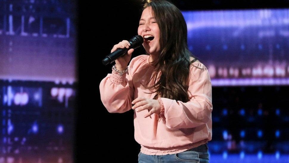 Giọng hát ấn tượng của thí sinh 10 tuổi