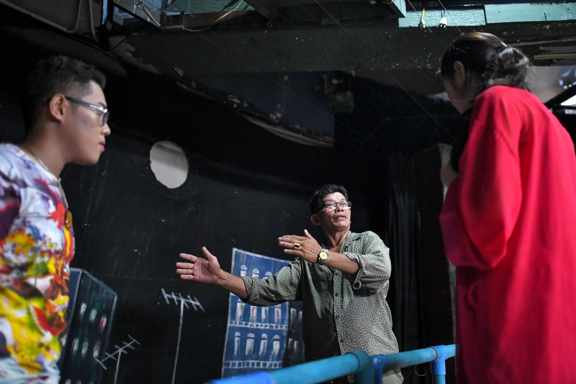 Dem dien cuoi o san khau Hong Van: Chuyen sau tam man nhung hinh anh 7