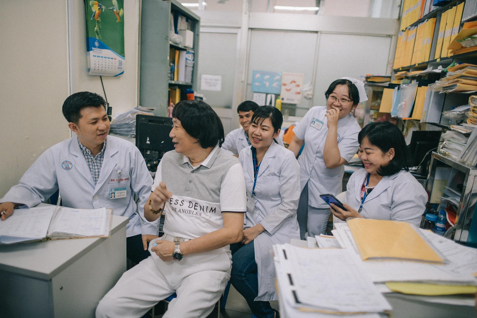 NSND Minh Vuong: 'Toi hoi sinh nho ghep than cua mot chang trai tre' hinh anh 9