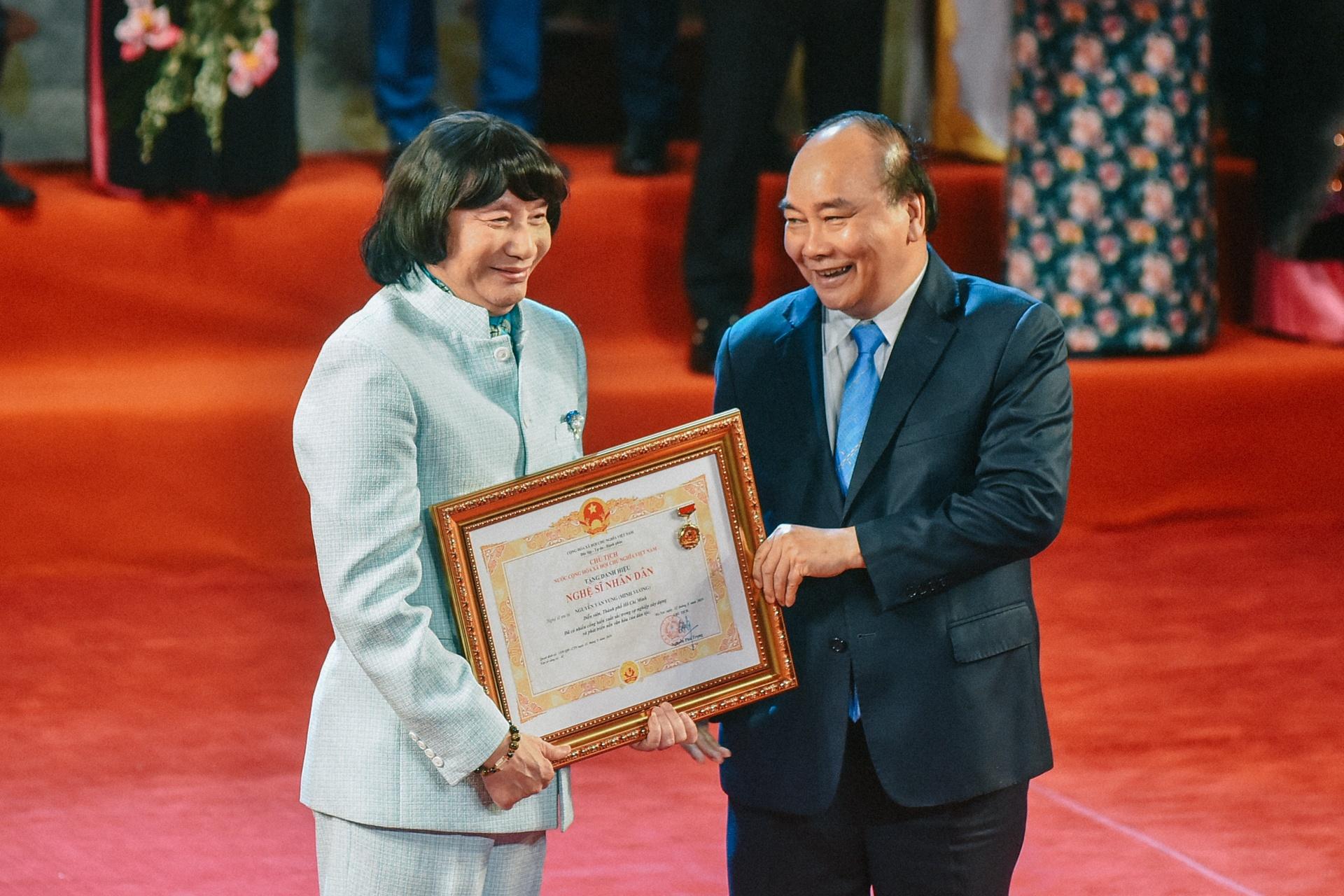 NSND Minh Vuong: 'Toi hoi sinh nho ghep than cua mot chang trai tre' hinh anh 21