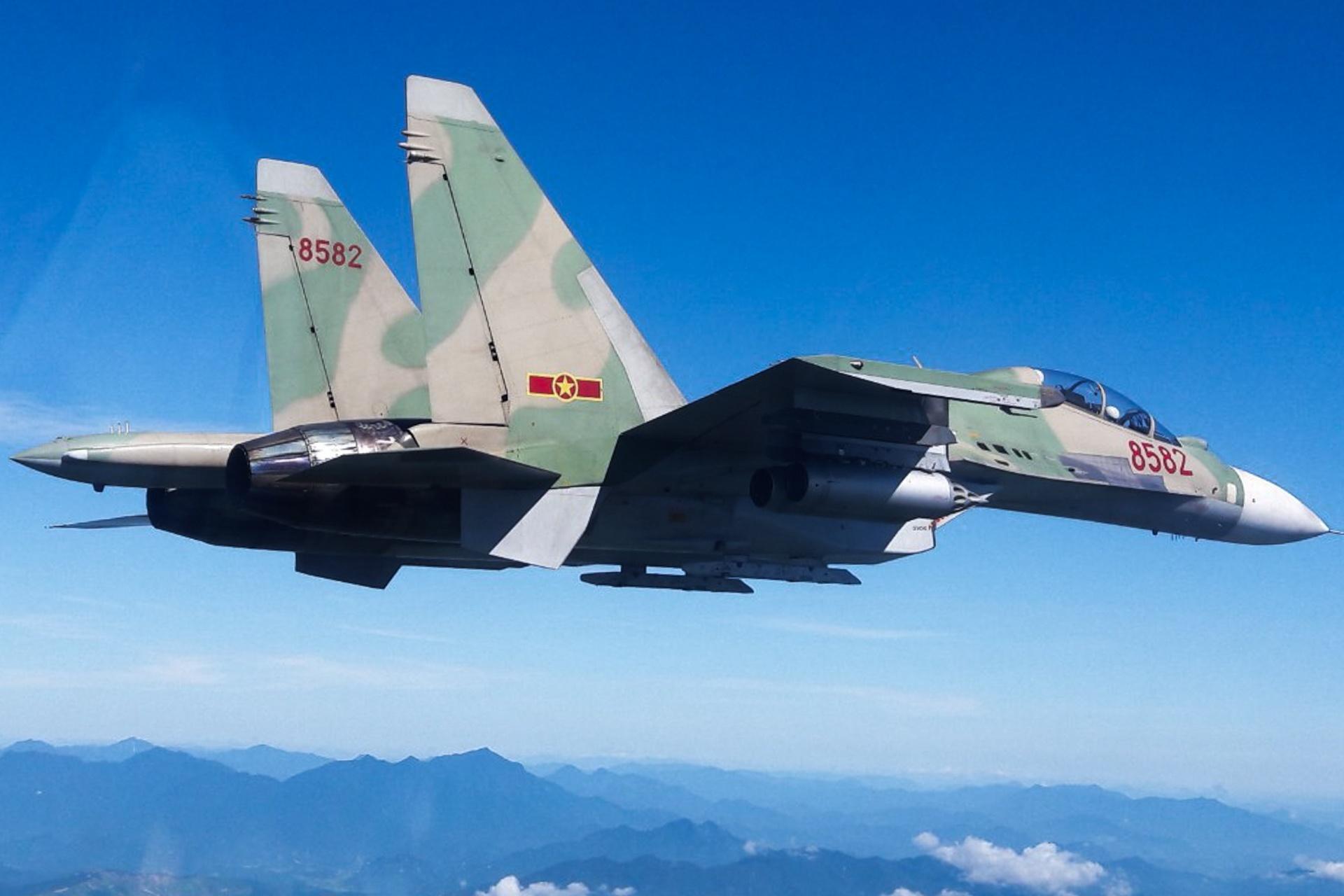 huan luyen bay Su-30MK2 anh 42