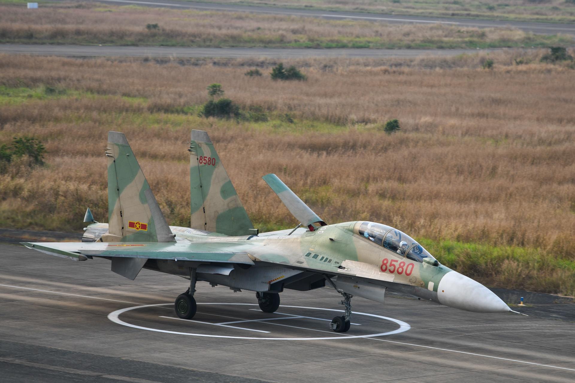 huan luyen bay Su-30MK2 anh 25