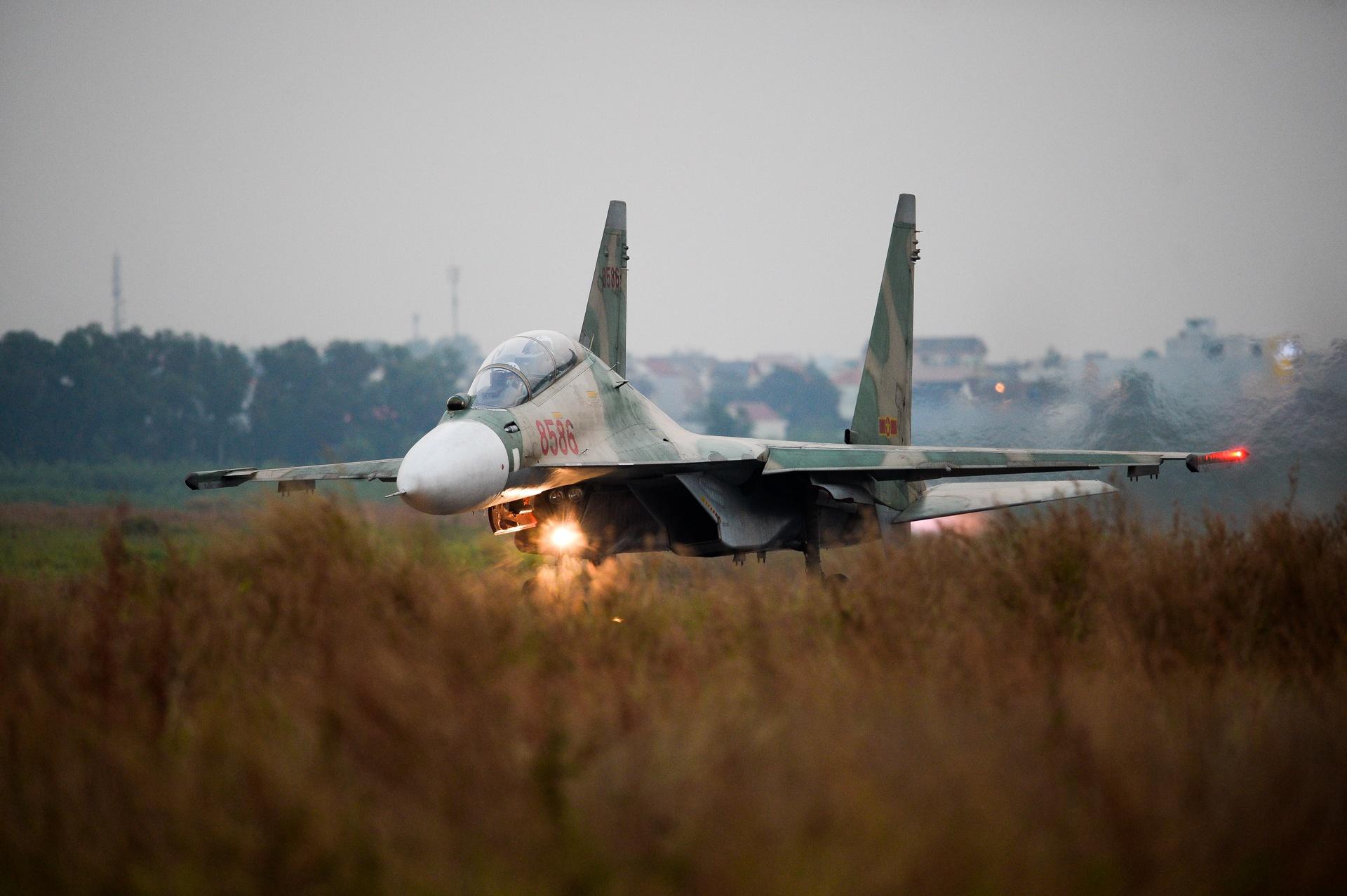 huan luyen bay Su-30MK2 anh 28