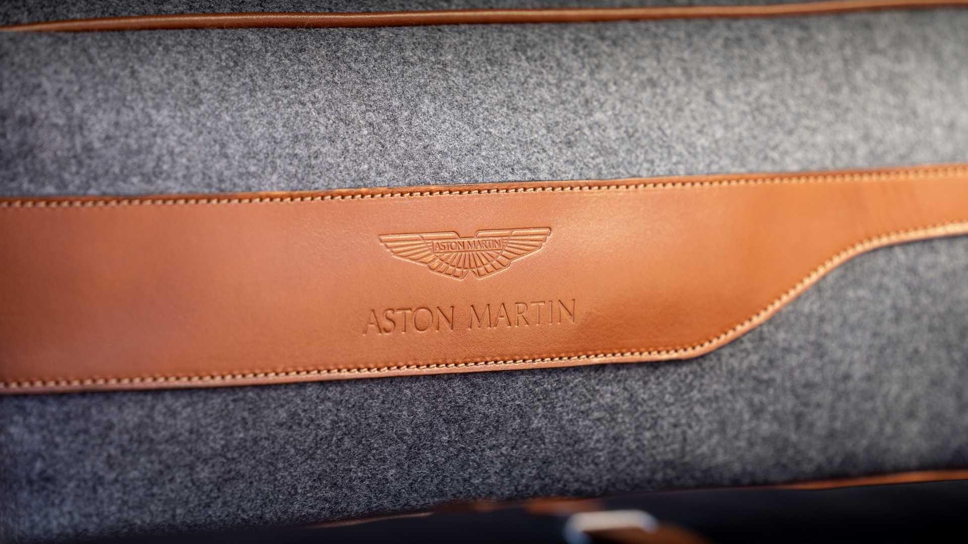 Chi tiet chiec SUV dau tien trong lich su 106 nam cua Aston Martin hinh anh 25