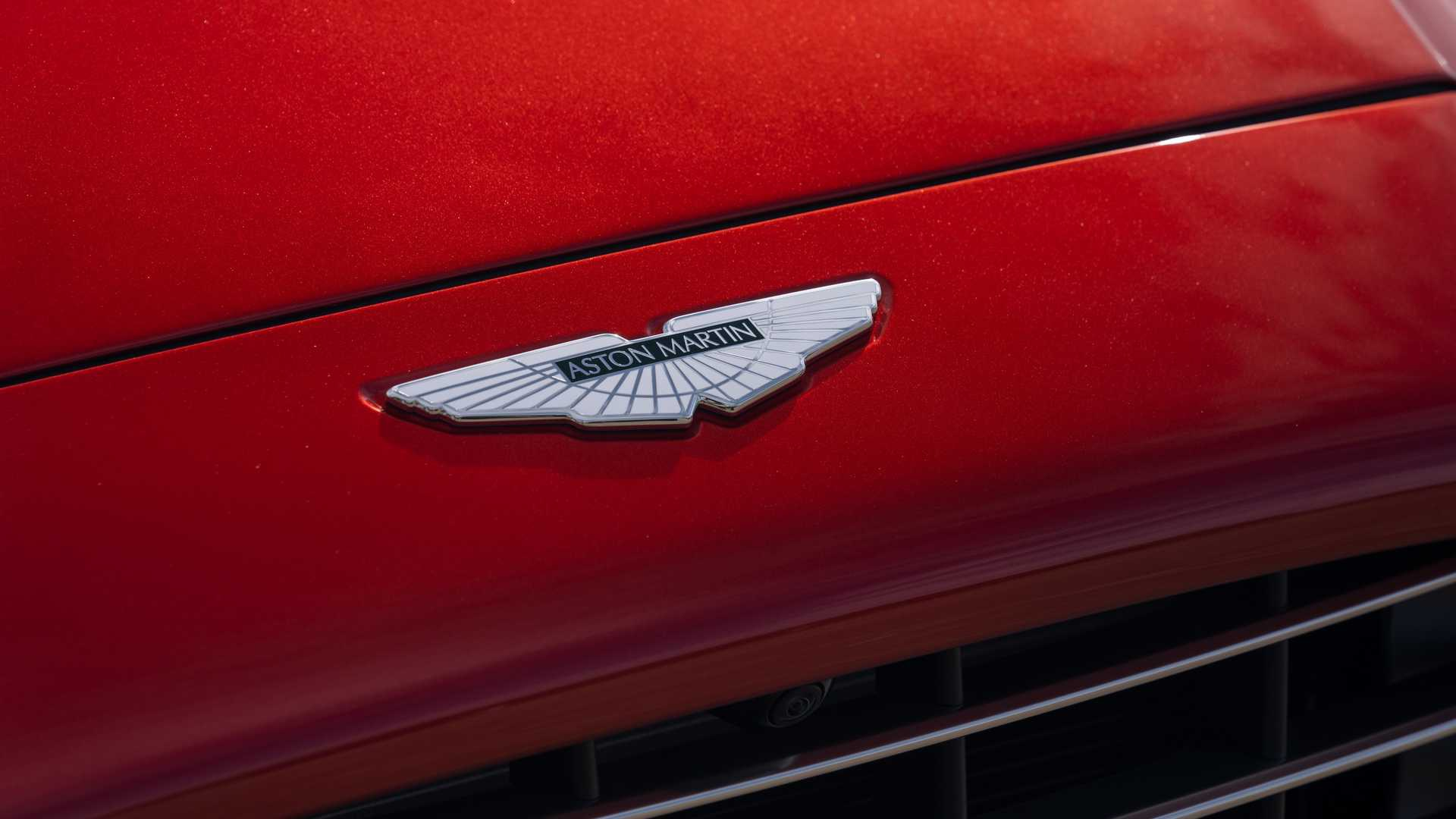 Chi tiet chiec SUV dau tien trong lich su 106 nam cua Aston Martin hinh anh 10