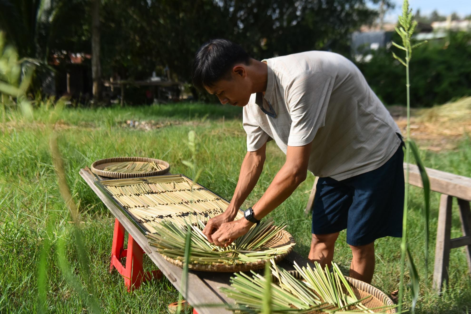 Chang nong dan 'khung' va giac mo ong hut tre hinh anh 23