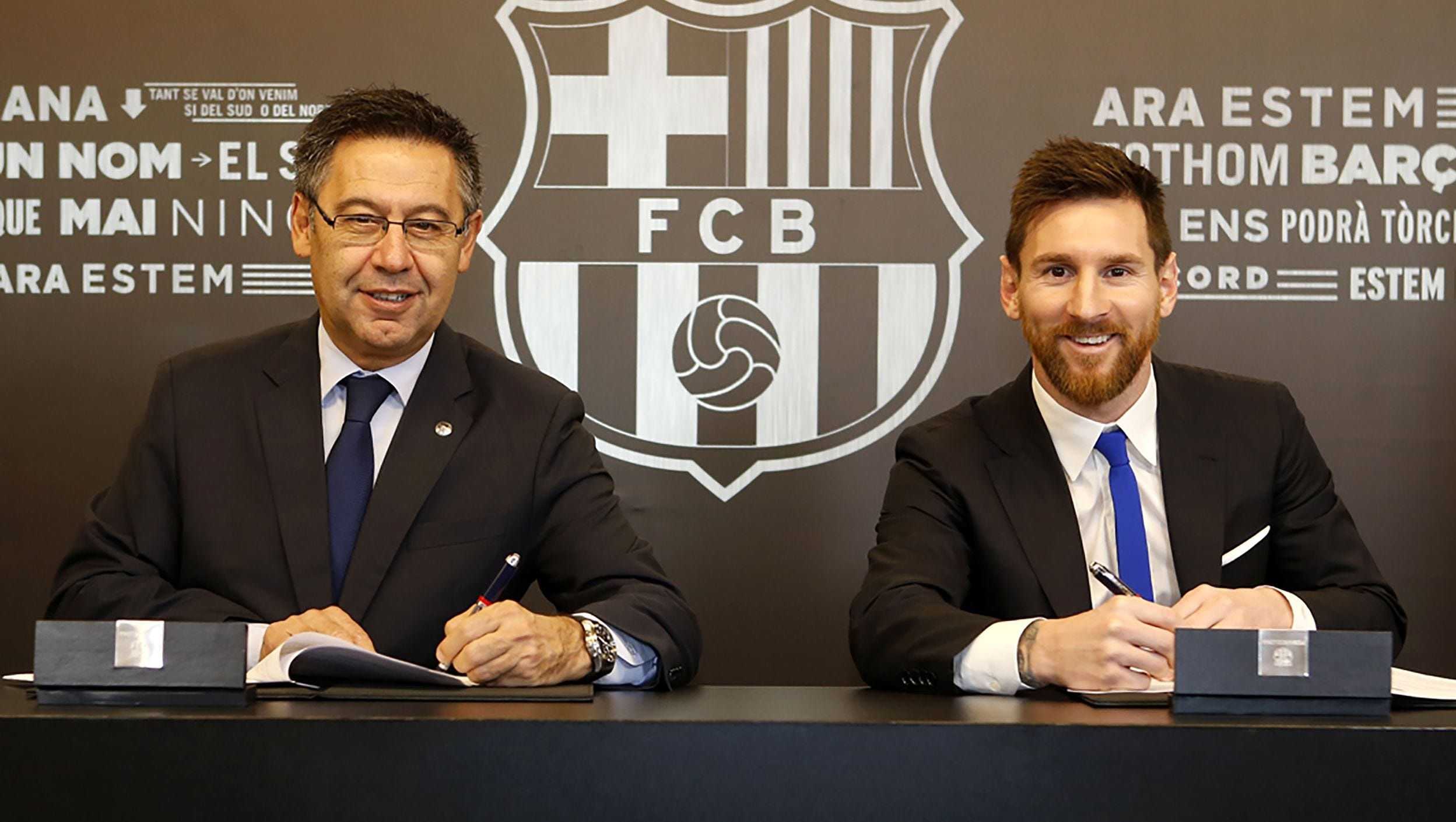 Messi roi Barca anh 4