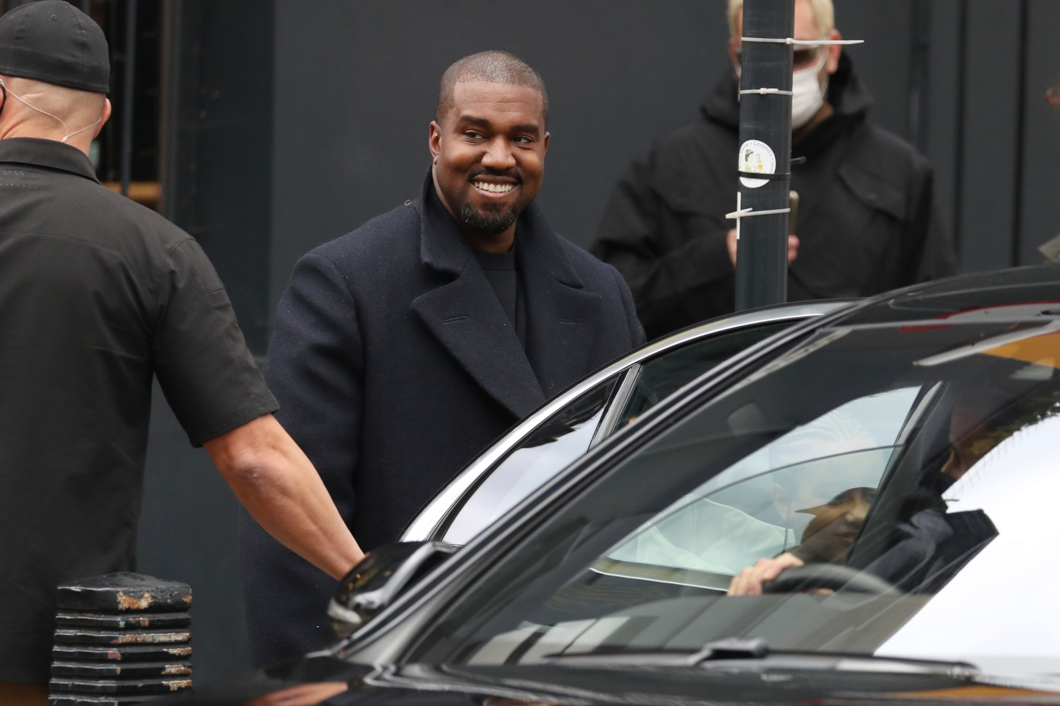 Kanye West bau cu anh 4