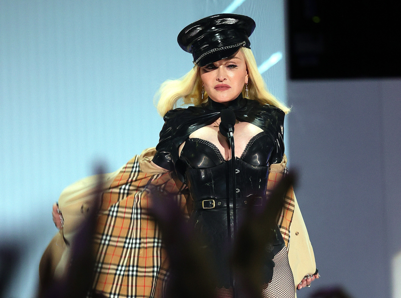 Madonna tai MTV Video Music Awards anh 1