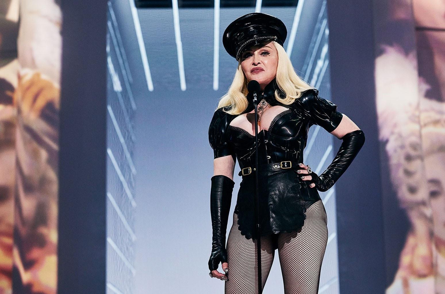 Madonna tai MTV Video Music Awards anh 5