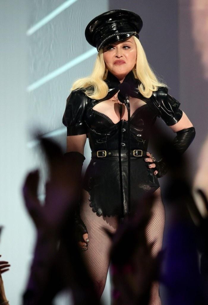 Madonna tai MTV Video Music Awards anh 3
