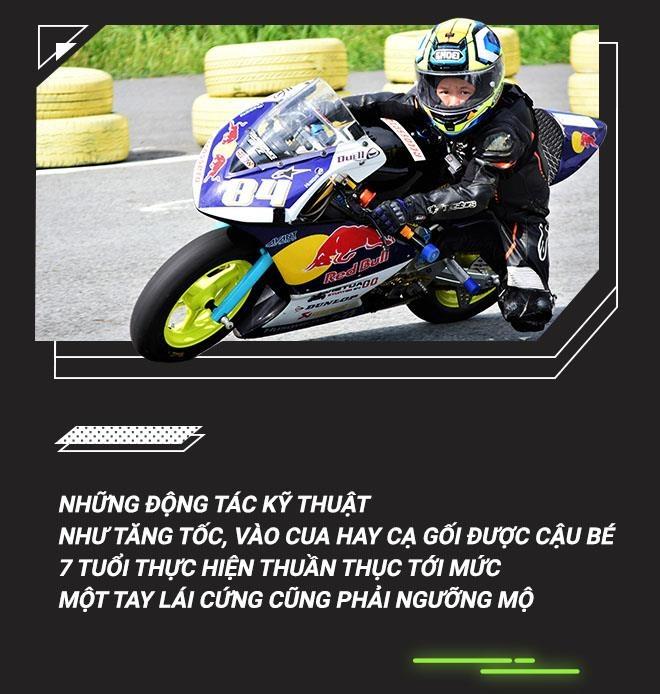 Cau be 7 tuoi uoc mo tro thanh tay dua Moto GP dau tien tai VN hinh anh 3