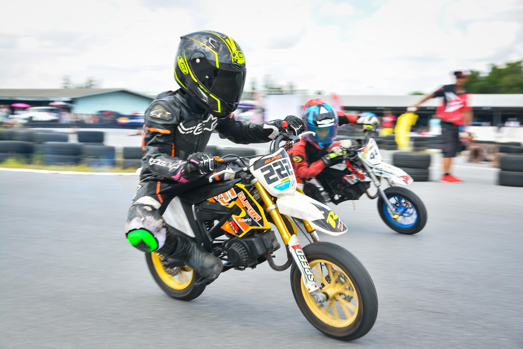 Giai dua moto tre em o Thai Lan va nhung giac mo MotoGP hinh anh 35