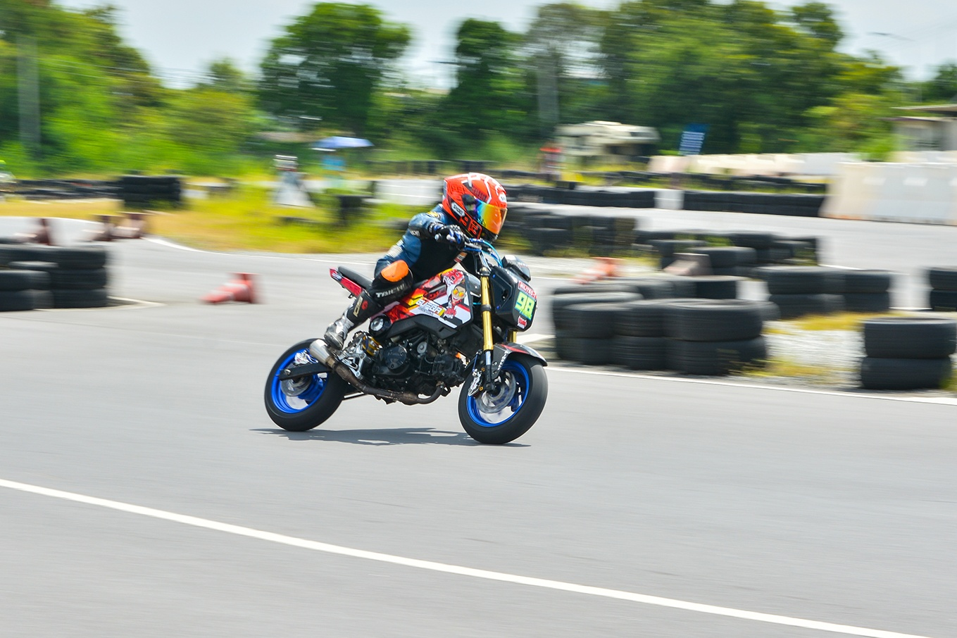 Giai dua moto tre em o Thai Lan va nhung giac mo MotoGP hinh anh 32