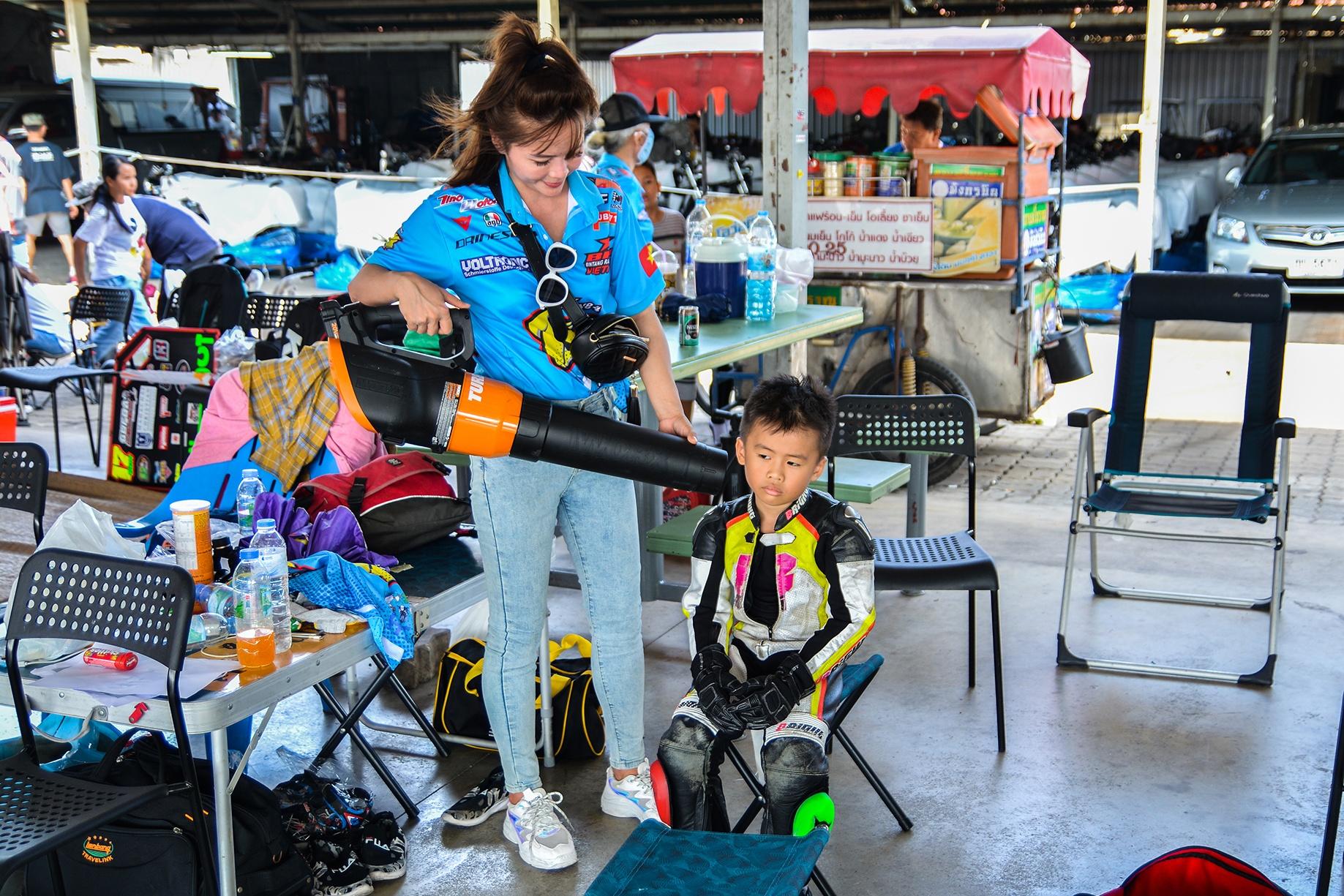 Giai dua moto tre em o Thai Lan va nhung giac mo MotoGP hinh anh 6