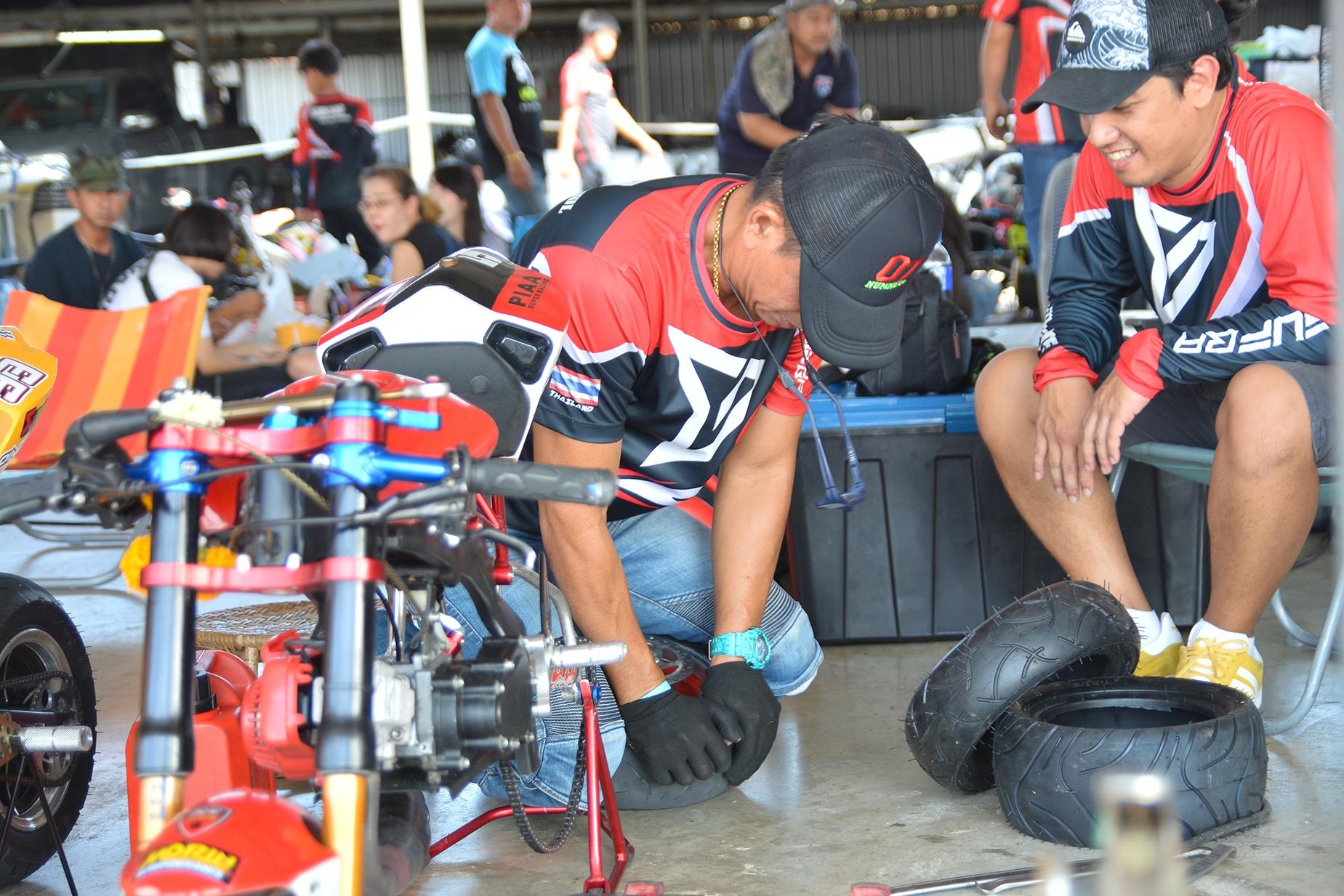 Giai dua moto tre em o Thai Lan va nhung giac mo MotoGP hinh anh 3