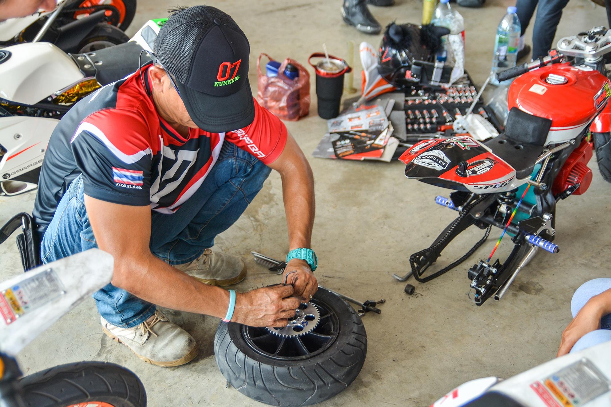 Giai dua moto tre em o Thai Lan va nhung giac mo MotoGP hinh anh 14