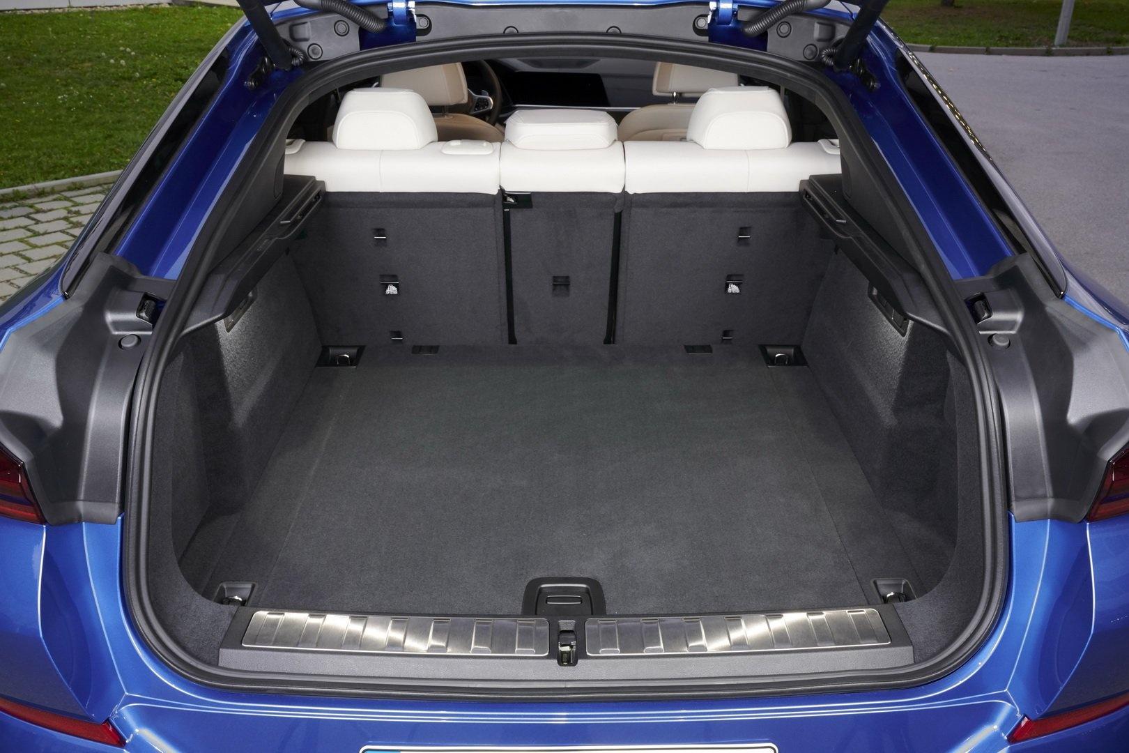 BMW X6 2020 - SUV voi suc manh sieu xe hinh anh 30