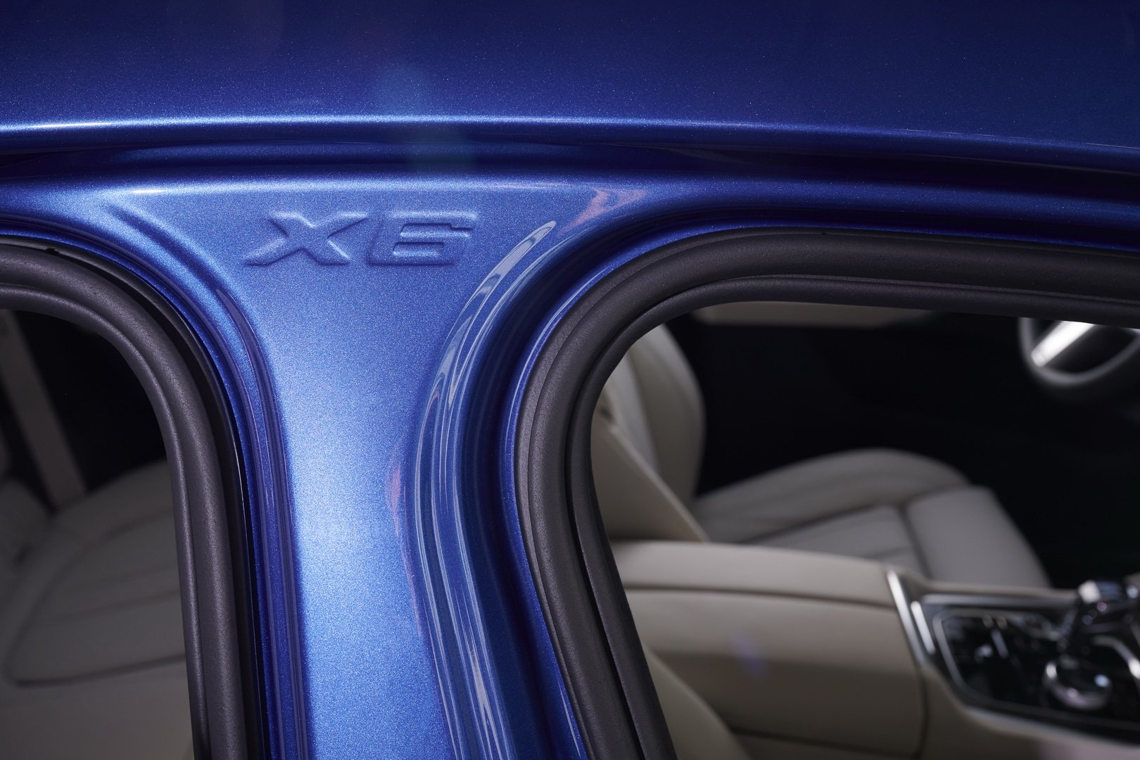 BMW X6 2020 - SUV voi suc manh sieu xe hinh anh 18