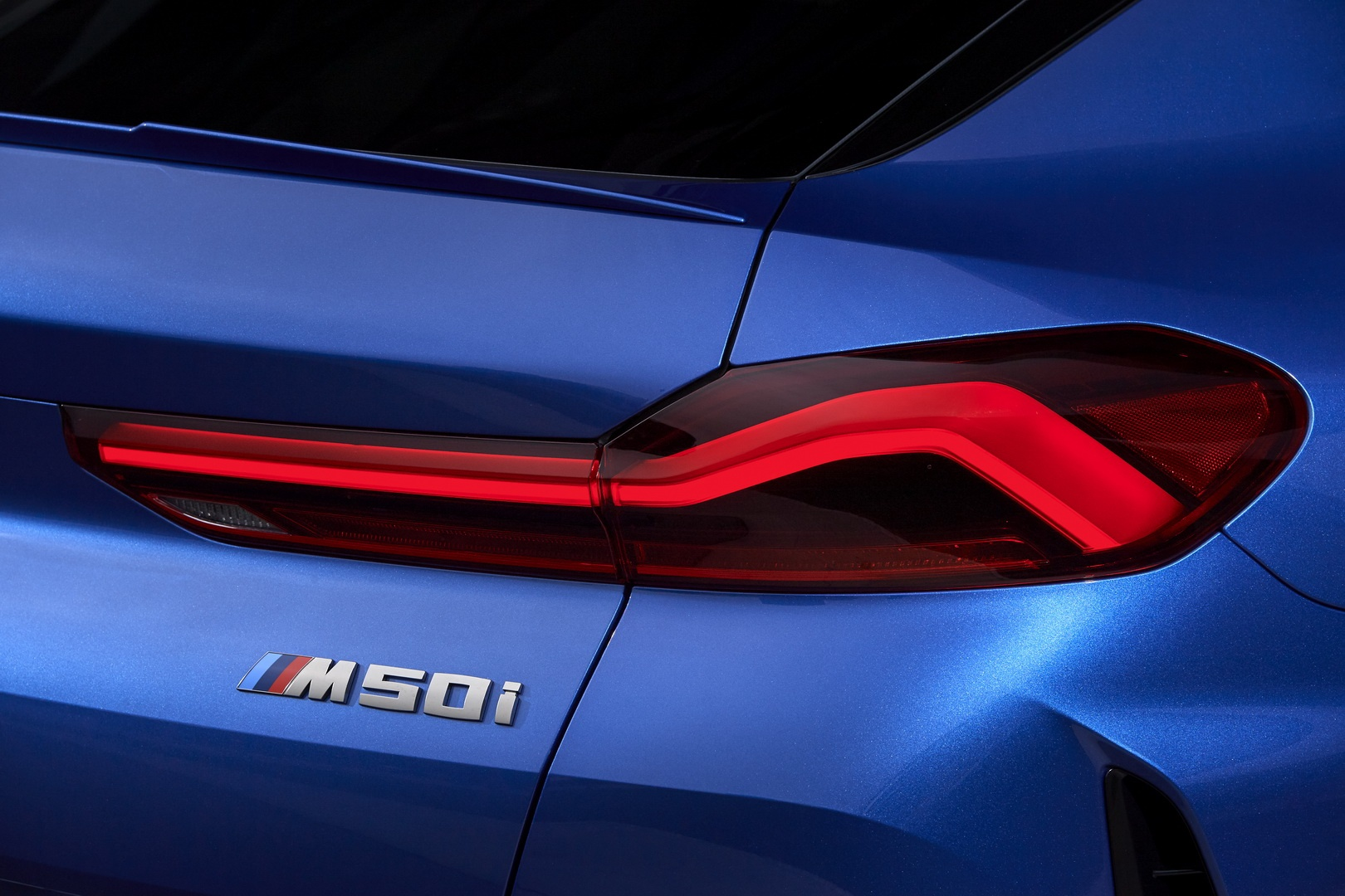 BMW X6 2020 - SUV voi suc manh sieu xe hinh anh 16