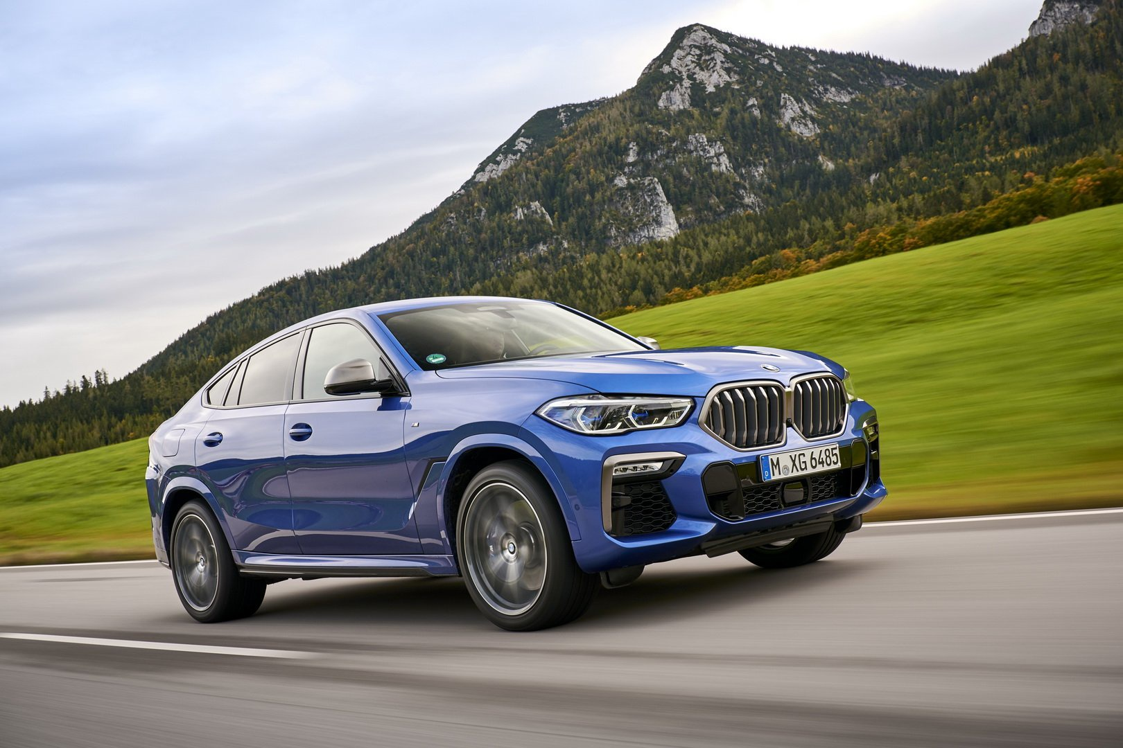 BMW X6 2020 - SUV voi suc manh sieu xe hinh anh 1