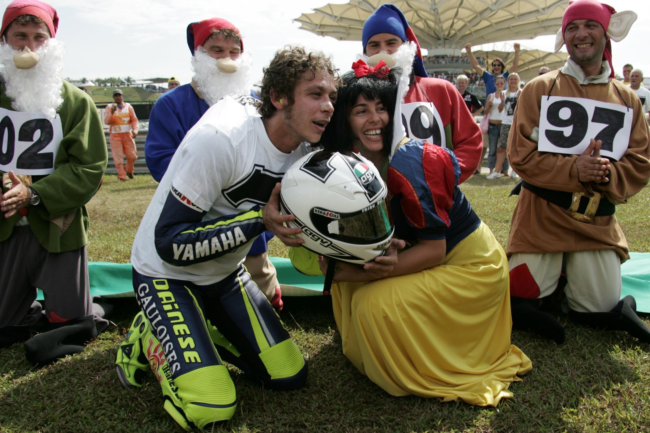 Ngay tro lai thanh dia Sepang cua Valentino Rossi hinh anh 31