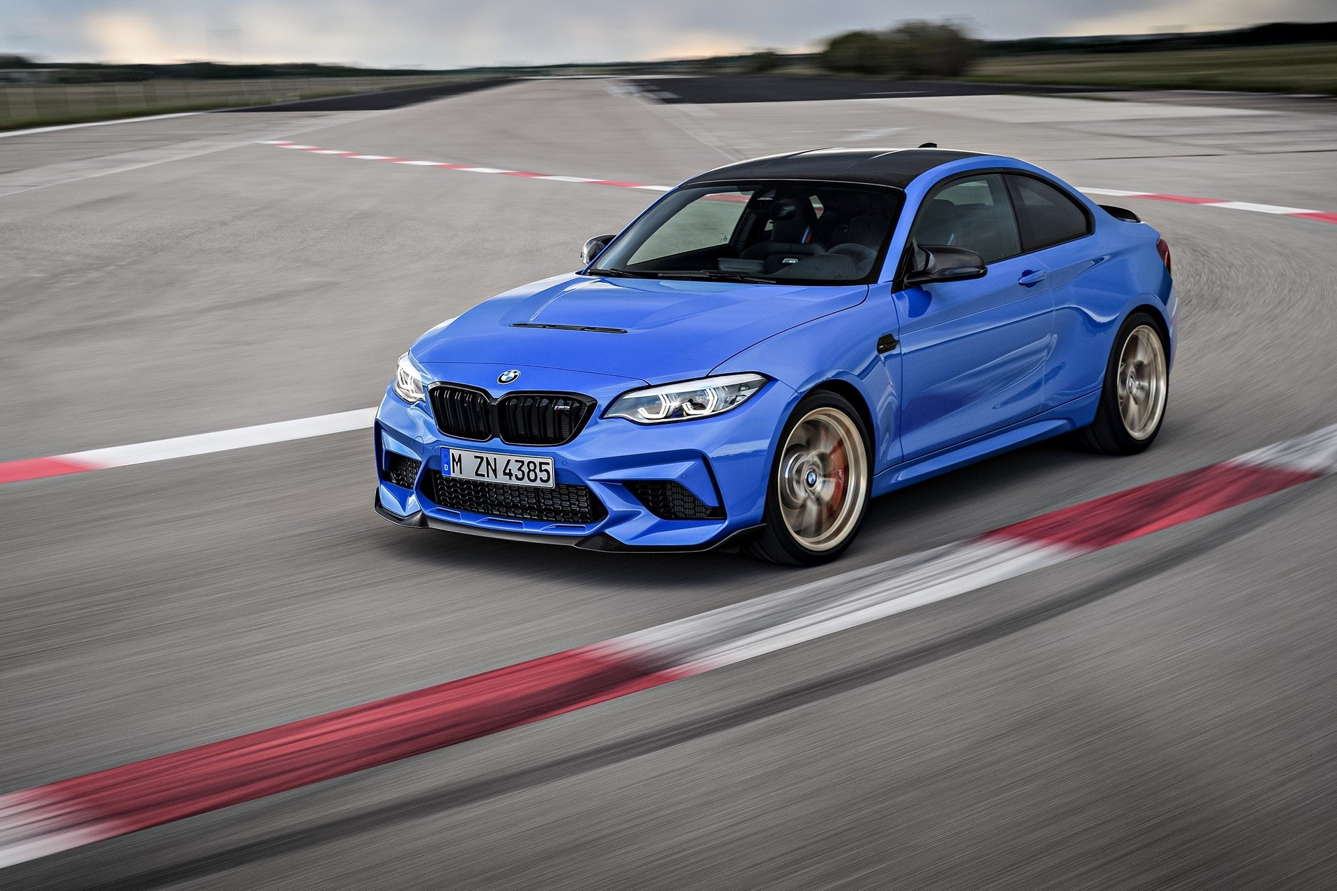 Chiem nguong BMW M2 C2 2020 anh 3