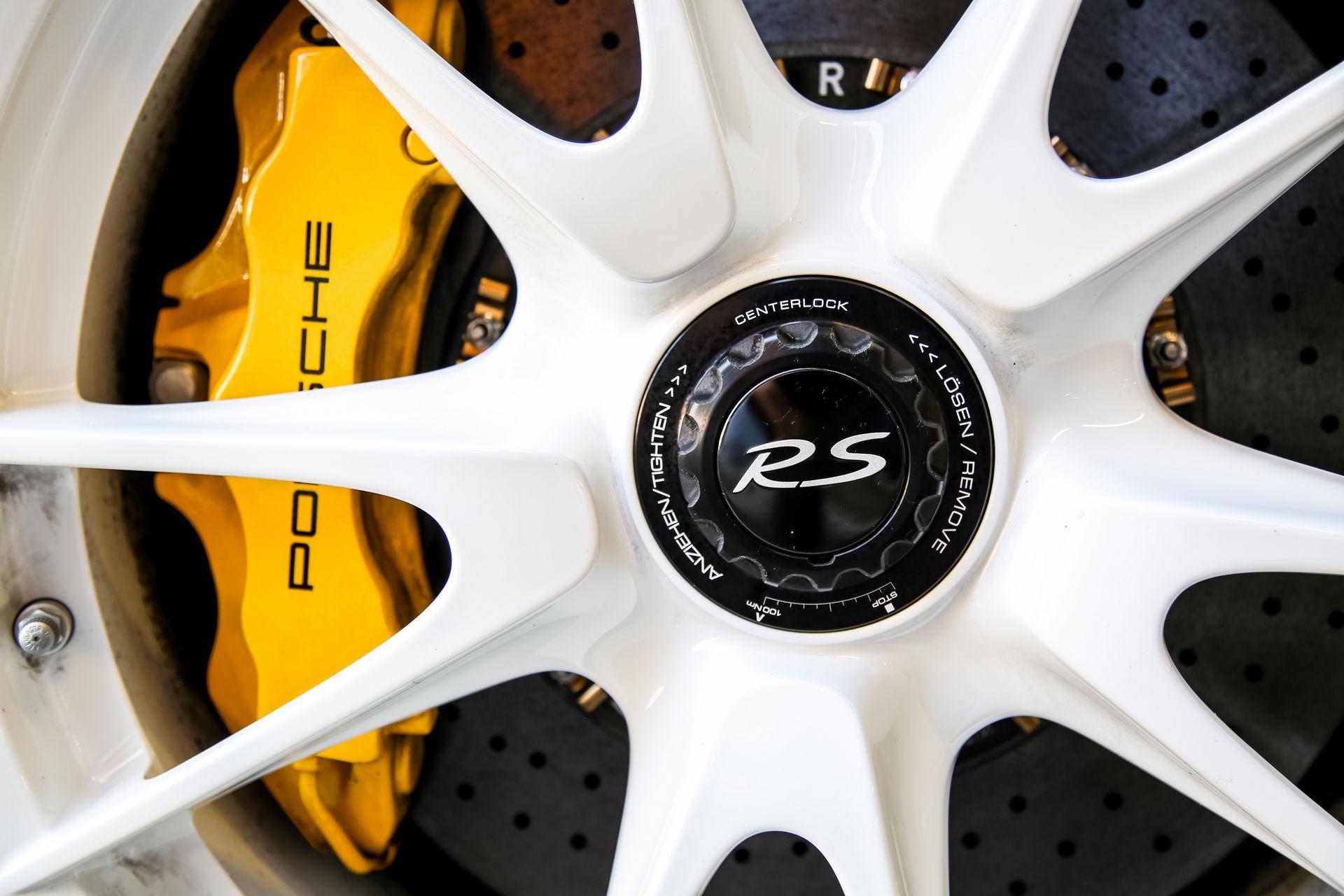 Ngam nhin Porsche 911 GT3 RS 4.0 2011 phien ban gioi han dac biet anh 20