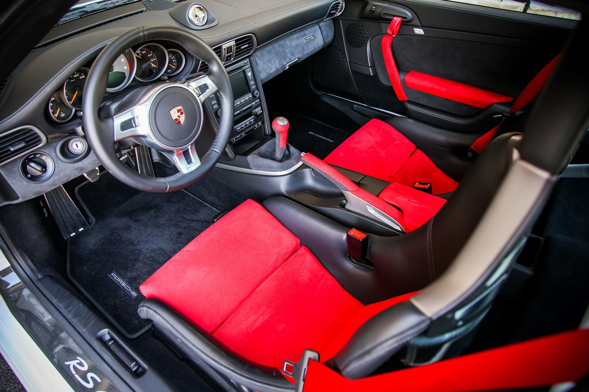 Ngam nhin Porsche 911 GT3 RS 4.0 2011 phien ban gioi han dac biet anh 9