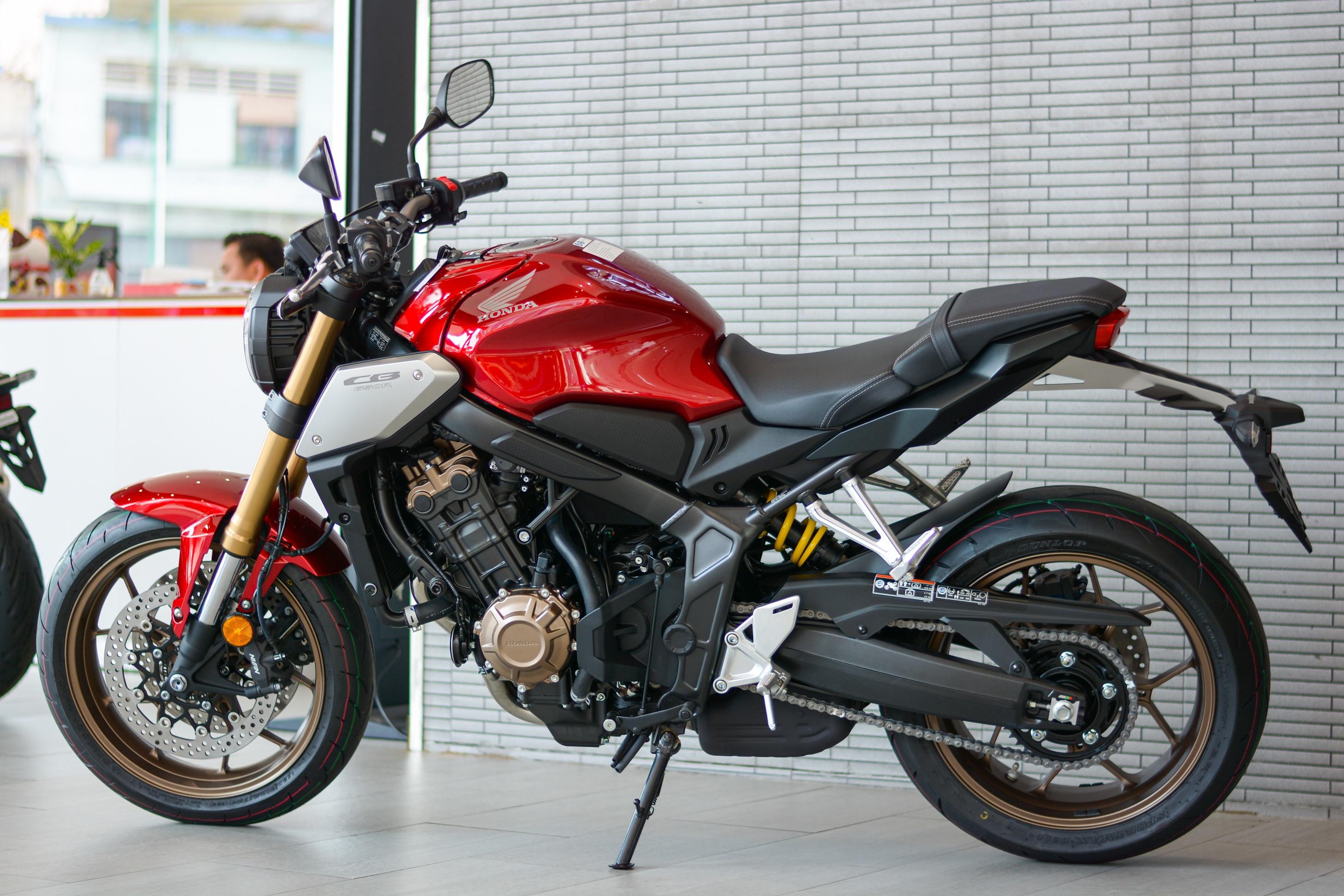 Honda CB650R doi 2021 ve dai ly anh 2
