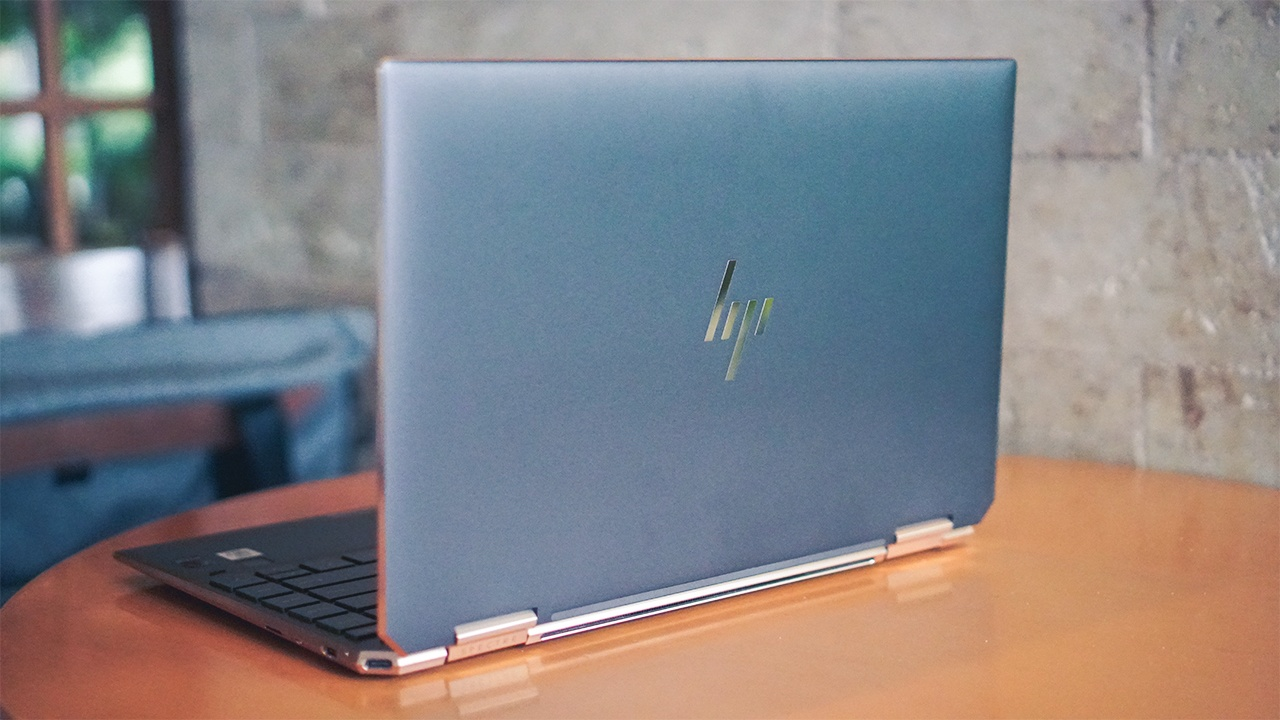 Top 5 laptop tot nhat tinh den dau nam 2020 hinh anh 9 GadgetMatch_20200225_HP_Spectre_x360_Convertible_02.jpg