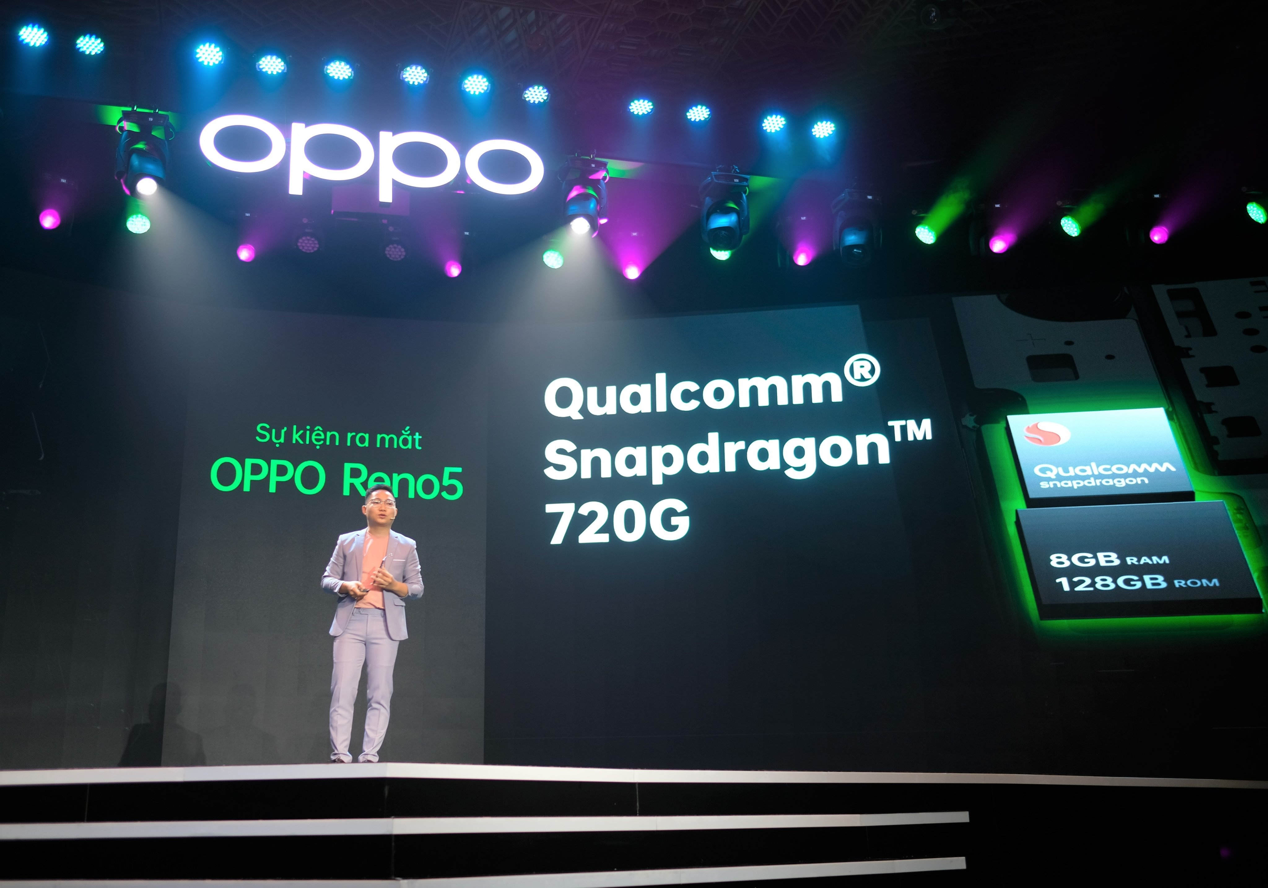 Oppo anh 13